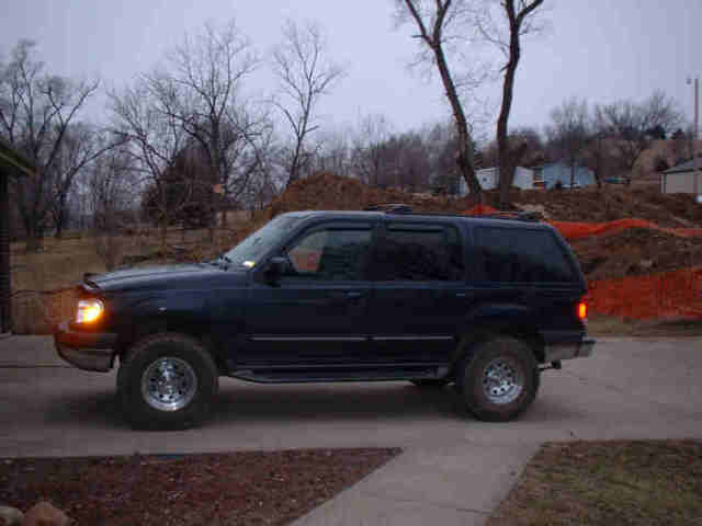 99 ford explorer 4x4 blue mistress. Black Bedroom Furniture Sets. Home Design Ideas